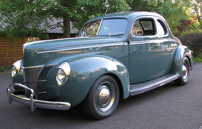 Spud's Garage - 1940 Ford Deluxe Coupe